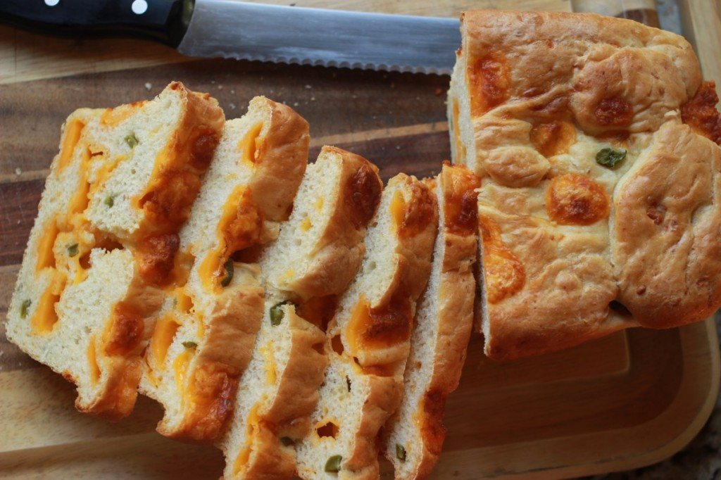 sliced_jalapeno_cheese_bread